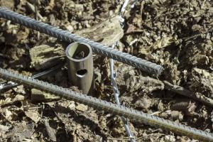 Гвинтові паля та металева арматура