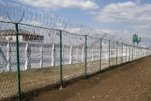 Piranha barbed mesh fence and Kayman concertina barrier
